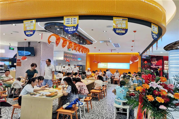鱼你在一起分享快餐酸菜鱼加盟连锁店消费人群定位重要性